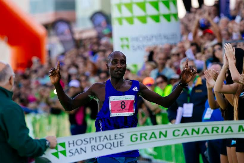 Julius Korir, ganador de la Gran Canaria Maratón 2016. / Carlos Díaz-Recio.