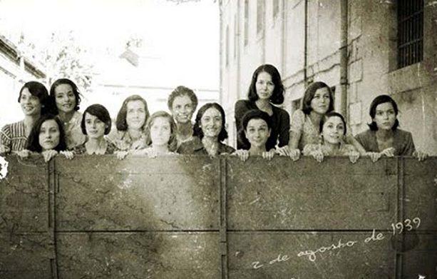 A las Trece Rosas, antes de asesinarlas (agosto de 1939), les cortaron el pelo al cero.